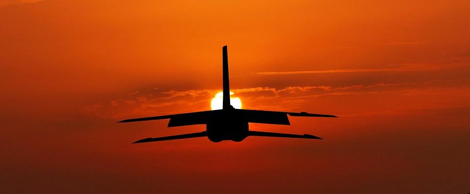 letadlo na nebi